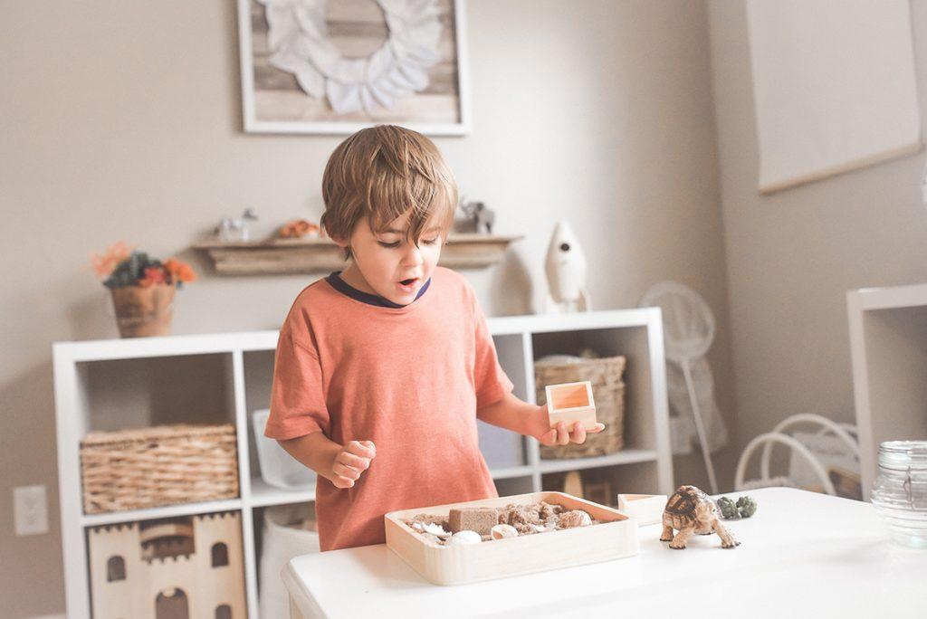 Dziecko i Zabawki Montessori